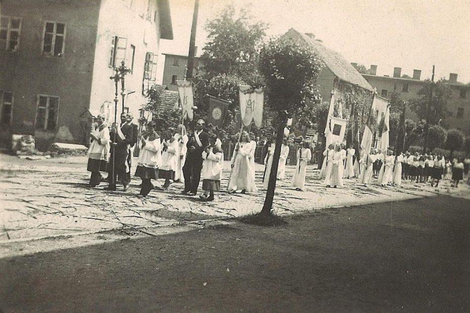 ul.-Wolności-1948-procesja