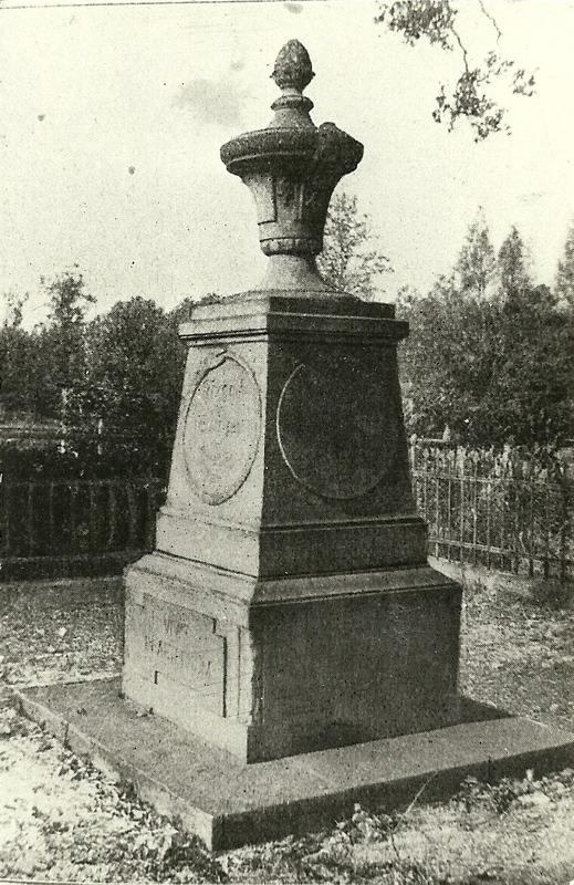 Pomnik ku czci Fryderyka II Wielkiego, wystawiony przez hrabiego Nickolaus August Wilhelm von Burghaus z Łażan