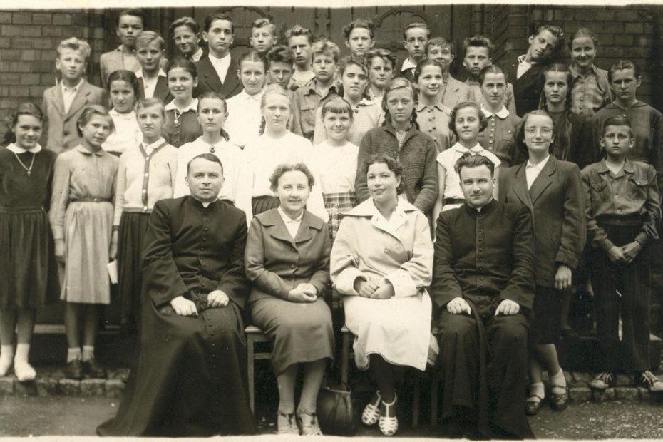Uczniowie szkoła podstawowa Jaworzyna Śląska 1957