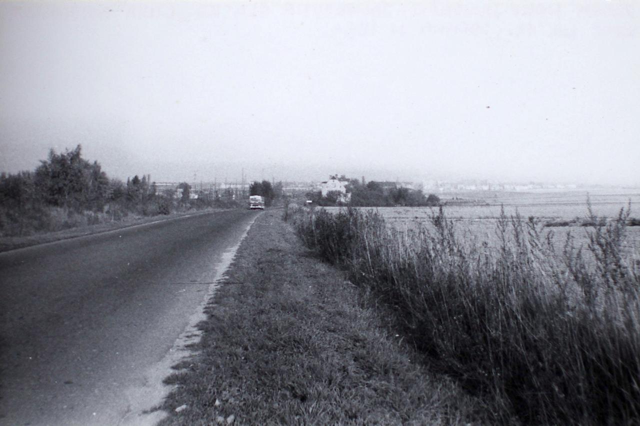 Widok na Jaworzynę Śląska od strony Nowego Jaworowa, lata 80. XX wieku