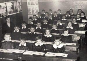 Uczniowie klasy 1 b SP Jaworzyna Śląska 1962