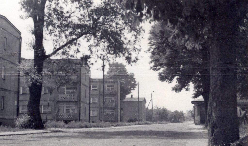 364. Fotografia – Ulica Ceglana w Jaworzynie Śląskiej lata 70. XX wieku
