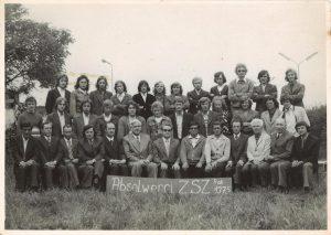 Absolwenci ZSZ PKP w Jaworzynie Śląskiej 1975 r.